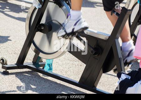 Beine bewegen während eines Trainings von Spinnen. - Stockfoto