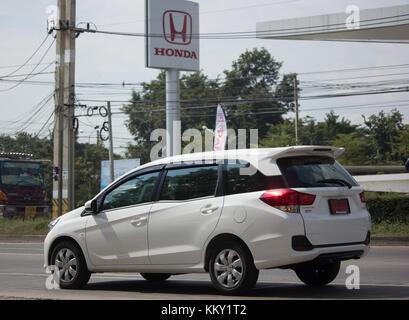 CHIANG MAI, THAILAND - 21. NOVEMBER 2017: Neue Private Honda Mobilio van. Foto an der Straße Nr. 121 ca. 8 km von - Stockfoto
