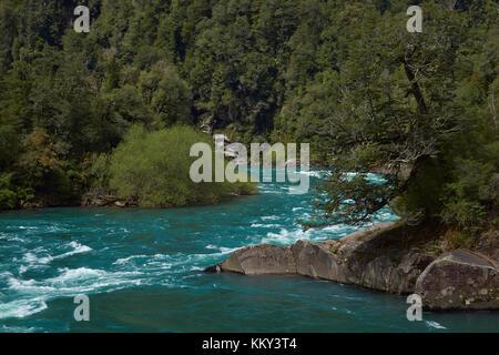 Fluss futaleufu in der aysén Region des südlichen Chile. Der Fluss ist als einer der führenden Standorte in der - Stockfoto