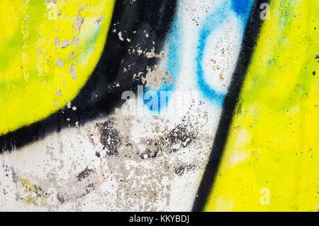 Abstrakte farbenfrohe Graffiti Fragment über alte Betonwand - Stockfoto