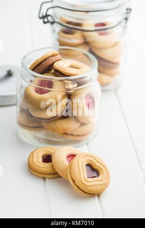 Sweet jelly Cookies auf weißer Tisch. - Stockfoto