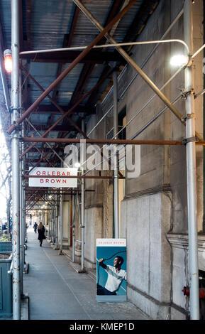 Gerüst an einem Gebäude in SoHo, New York City - Stockfoto