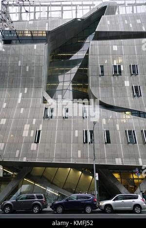 41 Cooper Square das neue Cooper Union Gebäude, entworfen von Thom Mayne von Morphosis, in der Nähe des Cooper Union - Stockfoto