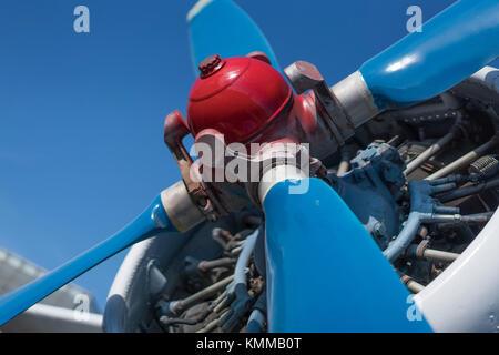 Doppeldecker propeller Nahaufnahme mit dem Kopf im Fokus - Stockfoto