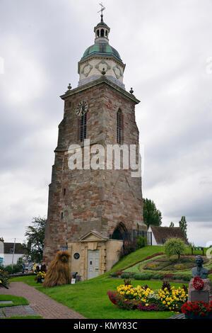 Die alte Kirche St. Peter und Paul mit pepperpot Glockenturm, Ellrich bei Nordhausen, Thüringen - Stockfoto