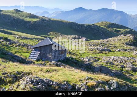 Hirten, Schafe, in Belagua in der Nähe von Arette Roncal Tal Navarra Spanien - Stockfoto