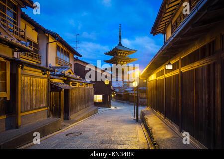 Foto der Die Yasaka Pagode im Sunrise - Stockfoto