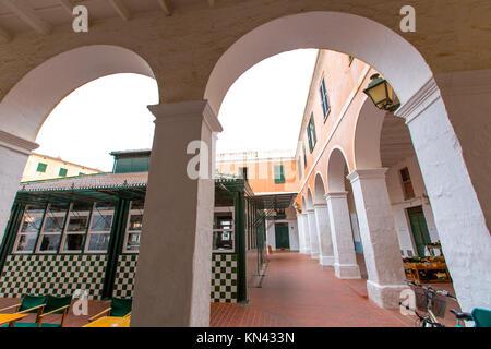 Menorca Ciutadella Mercat städtischen Markt mit Bögen in Balearen. - Stockfoto