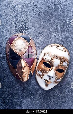 Zwei verzierte Venezianischen Karneval Maske