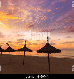 Mallorca El Arenal sArenal Strand Sonnenuntergang in der Nähe von Palma de Mallorca in Balearen Spanien. - Stockfoto