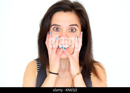 Smily Mädchen zeigen Ihr lackierte Nägel. - Stockfoto