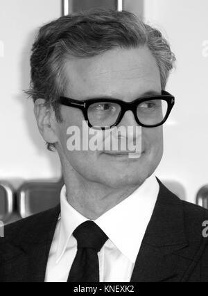 LONDON - Sept 18, 2017: Bild digital geändert werden schwarzweiß Colin Firth besucht die Kingsman: Der goldene Kreis - Stockfoto
