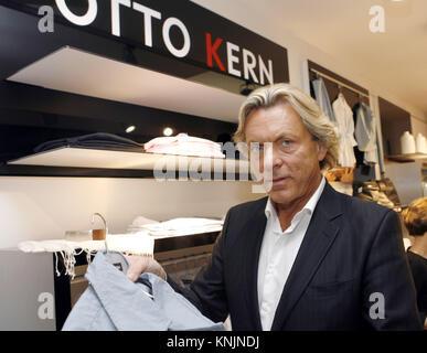 Archiv - der Mode Unternehmer Otto Kern und seine ehemalige Frau ... 8d66dd1a17