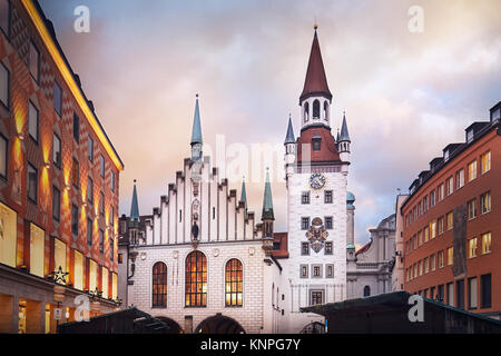 Altes Rathaus (Spielzeugmuseum) am Marienplatz, München - Stockfoto