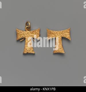 Anhänger Kapsel in der Form eines Tau Kreuz, mit der Dreifaltigkeit und die Jungfrau mit dem Kind. Datum: Ca. 1485; - Stockfoto