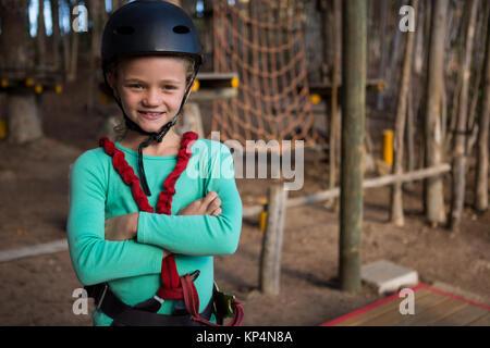 Klettergurt Mädchen : Junges mädchen modedesigner macht handgemachte swordbelt