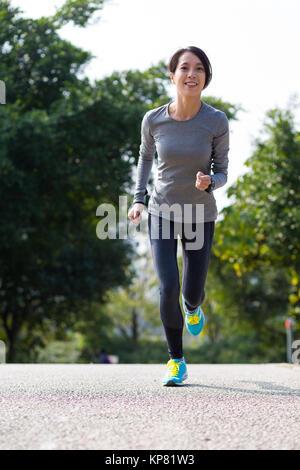 Frau gehen joggen. - Stockfoto
