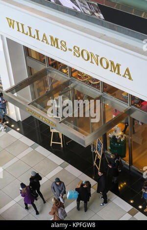 Williams-Sonoma im Time Warner Center, Columbus Circle, NYC, USA - Stockfoto