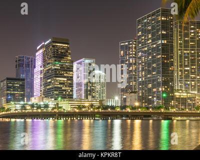 MIAMI, USA - September 8, 2015. Nächtlicher Blick auf Brickell Nachbarschaft, Miami. - Stockfoto