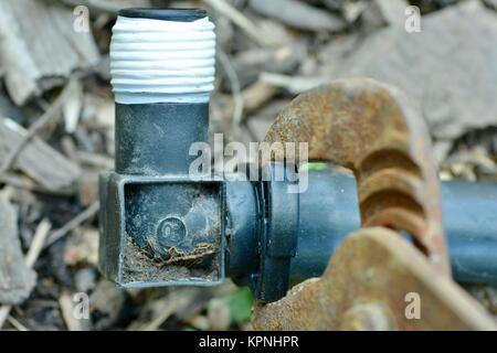Schritt für Schritt Reihe auf Festlegung Bewässerungsrohre für ein Haus Garten, mit 19 mm polypipe, Townsville, - Stockfoto
