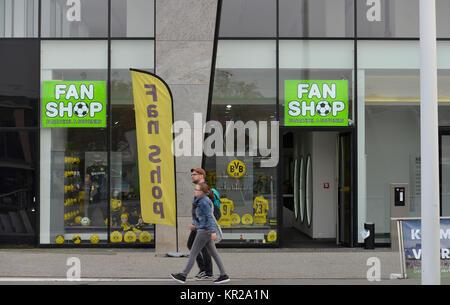 Fan Shop BVB, Platz der Deutschen Einheit, Dortmund, Nordrhein-Westfalen, Deutschland, Fanshop BVB, Platz der Deutschen - Stockfoto
