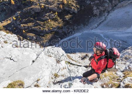 Klettersteig Osttirol : Bergsteiger entlang der klettersteig an nordseite des gr