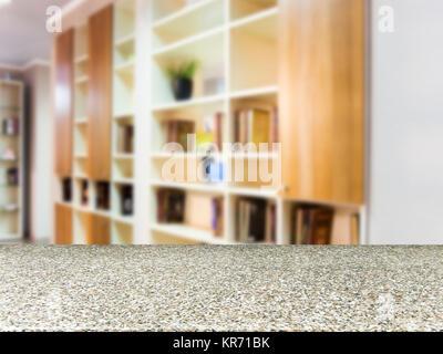 Aus marmor vorstandstisch vor unscharfen schlafzimmer for Wohnzimmer marmortisch