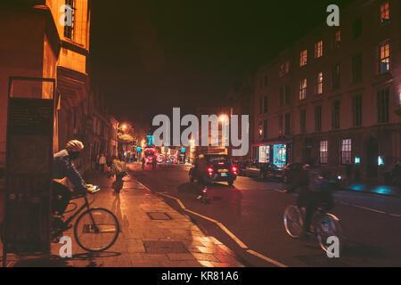 Oktober 26, 2017, Oxford, Vereinigtes Königreich: die Menschen zu Fuß gehen, einkaufen Rund um Stadt Oxford