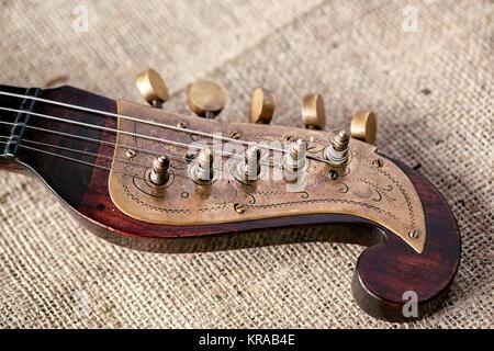 Detail altes Musikinstrument tamburitza Hintergrund Stockfoto