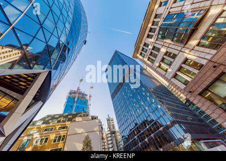 LONDON, GROSSBRITANNIEN, 26. Oktober: Dies ist eine Ansicht der Stadt von London Financial District Architektur am 26. Oktober 2017 in London.