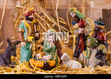 Weihnachten Krippe mit Figuren - Stockfoto