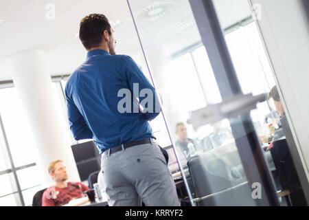 Business-Präsentation auf Geschäftstreffen. - Stockfoto