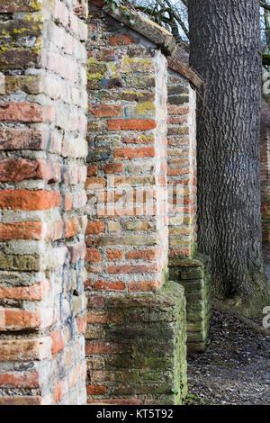 Detail der historischen Stadtmauer von Augsburg - Stockfoto