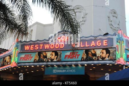 """LOS ANGELES, Ca - 13. Februar: einen Überblick über die Atmosphäre in der Welt premeire """"FAUSTKAMPF"""" im Regency - Stockfoto"""