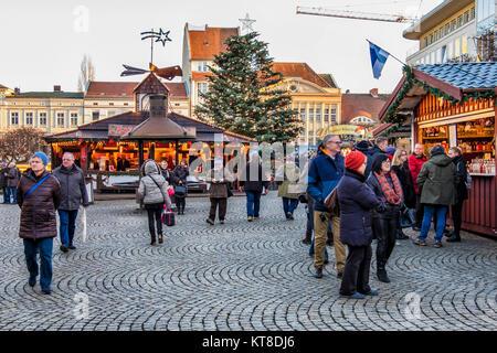 gl hwein stand auf dem weihnachtsmarkt in marienplatz m nchen deutschland stockfoto bild. Black Bedroom Furniture Sets. Home Design Ideas