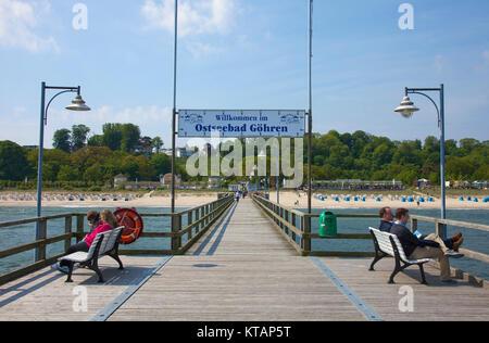 Pier in Göhren, Moenchgut-Granitz, Insel Rügen, Mecklenburg-Vorpommern, Ostsee, Deutschland, Europa - Stockfoto