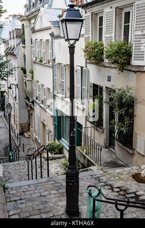 Laterne am Montmartre in Paris. - Stockfoto