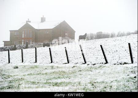 Affetside, begraben. 29 Dez, 2017. UK Wetter: Winter wonderland Szene als Schnee bedeckt den Boden um Durcheinander - Stockfoto
