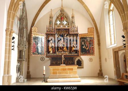 BOPFINGEN, Deutschland - ca. August 2015 Altar in St. Blasius Kirche - Stockfoto