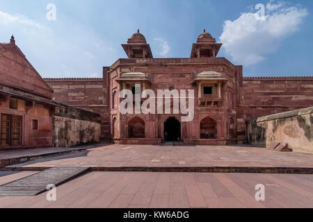 Ruhigen Moment in der Wüstenstadt Fatehpur Sikri Komplex, Uttar Pradesh, Indien - Stockfoto