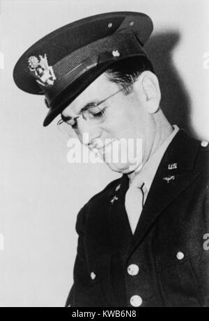 Glenn Miller, Bandleader in der Swing Ära, in seiner militärischen Uniform. Er führte eine Armee Band in Europa - Stockfoto