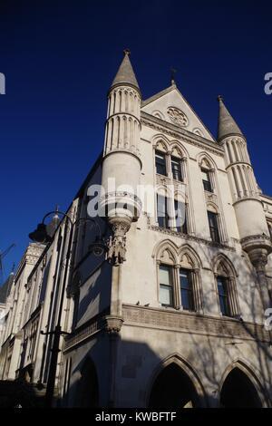 Die Royal Courts of Justice, viktorianischen Gotische Gebäude, Westminster, London, Großbritannien. - Stockfoto