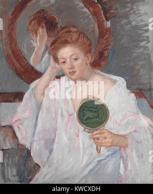 Denise an Ihrem Schminktisch, von Mary Cassatt, 1908-9, französischer impressionistischer Malerei, Öl auf Leinwand. - Stockfoto