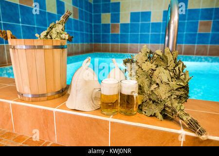 traditionelle h lzerne sauna f r entspannung mit saubere handt cher stockfoto bild 82599606. Black Bedroom Furniture Sets. Home Design Ideas