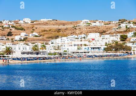 Ornos Beach auf der Insel Mykonos, Kykladen in Griechenland - Stockfoto