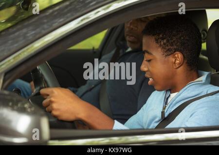 Vater Lehre, sein Sohn, wie zu fahren. - Stockfoto
