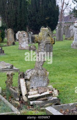 Trowbridge Hauptfriedhof, Chippenham, Wiltshire, Großbritannien - Stockfoto