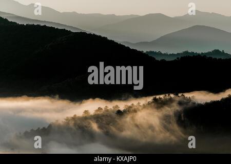 Foothills Parkway, Great Smoky Mountains, Tennessee, USA, von Bill Lea/Dembinsky Foto Assoc - Stockfoto