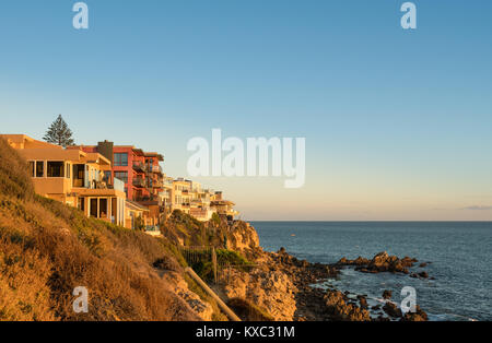 Luxus am Meer gelegenen Häuser an Corona Del Mar in der Nähe von Newport Beach - Stockfoto