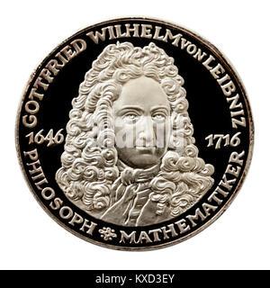 99,9% Beweis Silber Medaillon mit Gottfried Wilhelm von Leibniz (1646-1716), deutscher Mathematiker berühmt für - Stockfoto
